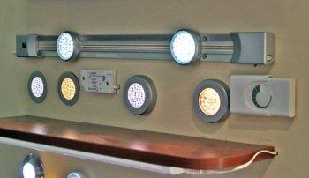 Светильники для освещения рабочего стола на кухне