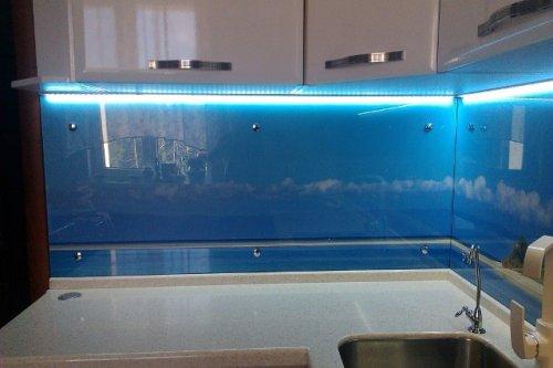 Примеры светодиодной подсветки кухонного гарнитура