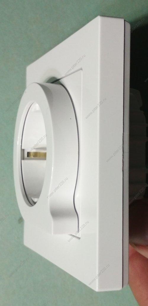 ОБЗОР. Розетка с выталкивателем в новой серии AtlasDesign от Schneider Electric (артикул ATN000147)